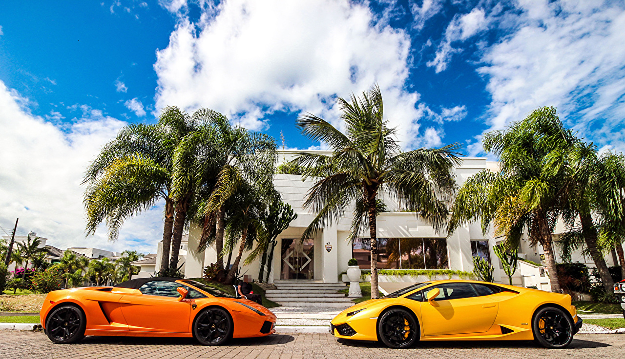 Фото Lamborghini Gallardo Huracan LP610-4 Двое Пальмы Машины Ламборгини 2 два две вдвоем пальм пальма Авто Автомобили
