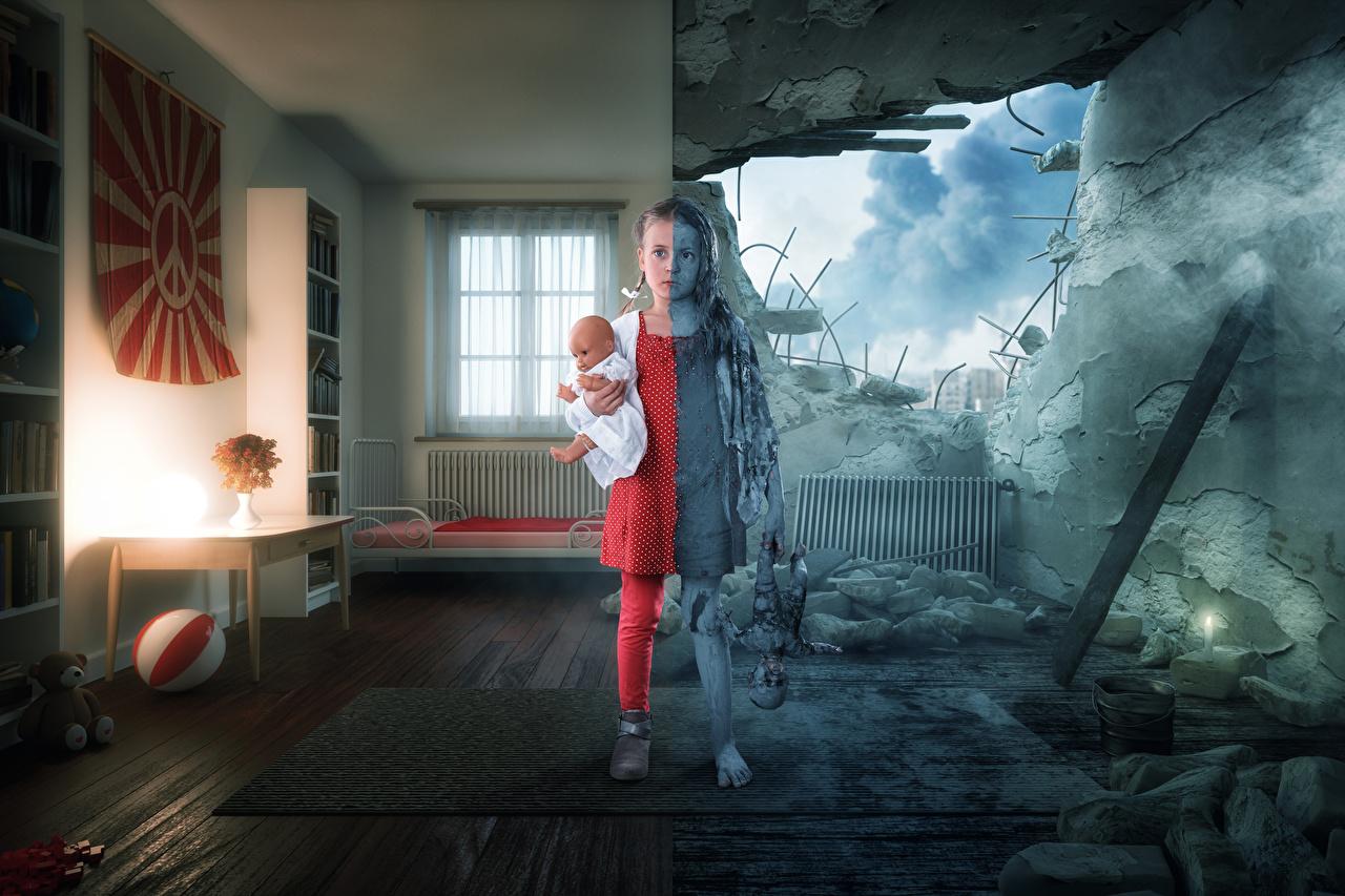 Фото Девочки Война куклы Дети Руины креативные девочка Кукла ребёнок Креатив Развалины оригинальные
