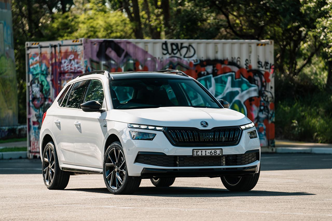 Фотографии Шкода CUV Kamiq Monte Carlo AU-spec, 2020 белая авто Металлик Skoda Кроссовер Белый белые белых машина машины Автомобили автомобиль