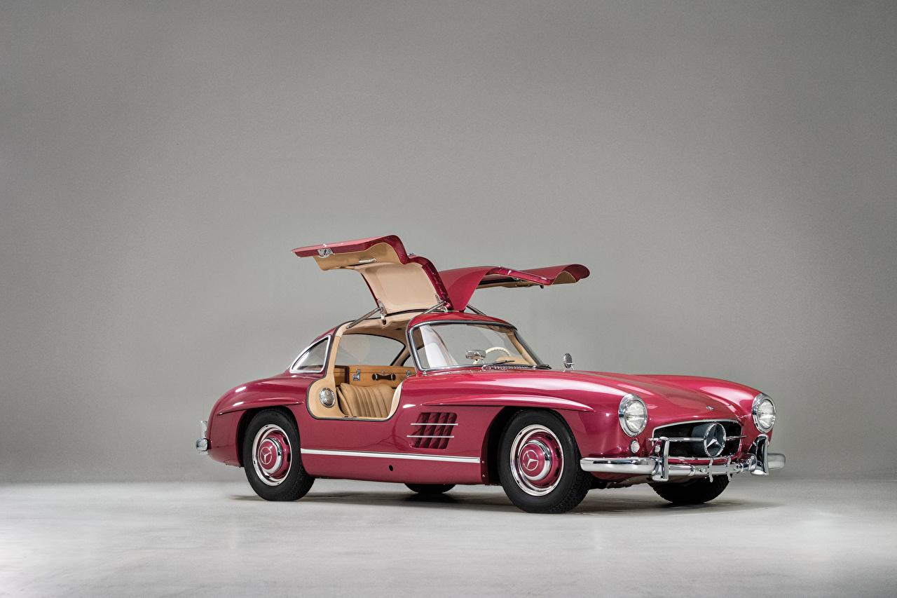 Обои для рабочего стола Мерседес бенц 1956 300 SL Ретро розовая Металлик автомобиль Mercedes-Benz винтаж розовых розовые Розовый старинные авто машина машины Автомобили