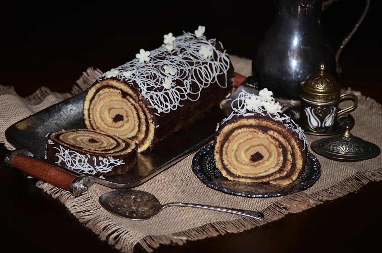 Картинка Рулет Шоколад Еда Ложка сладкая еда Пища ложки Продукты питания Сладости