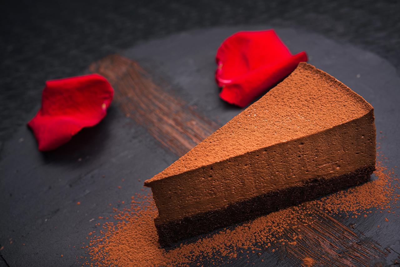 Обои Еда Шоколад Торты Лепестки Кусок Какао порошок Пирожное Сладости Пища Продукты питания лепестков часть