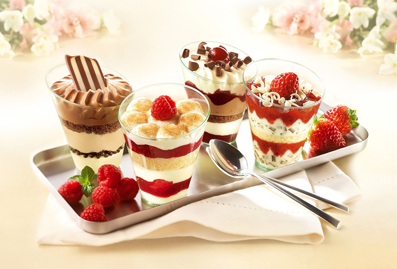 Фото Шоколад Мороженое Десерт Малина Клубника Еда ложки Пища Ложка Продукты питания
