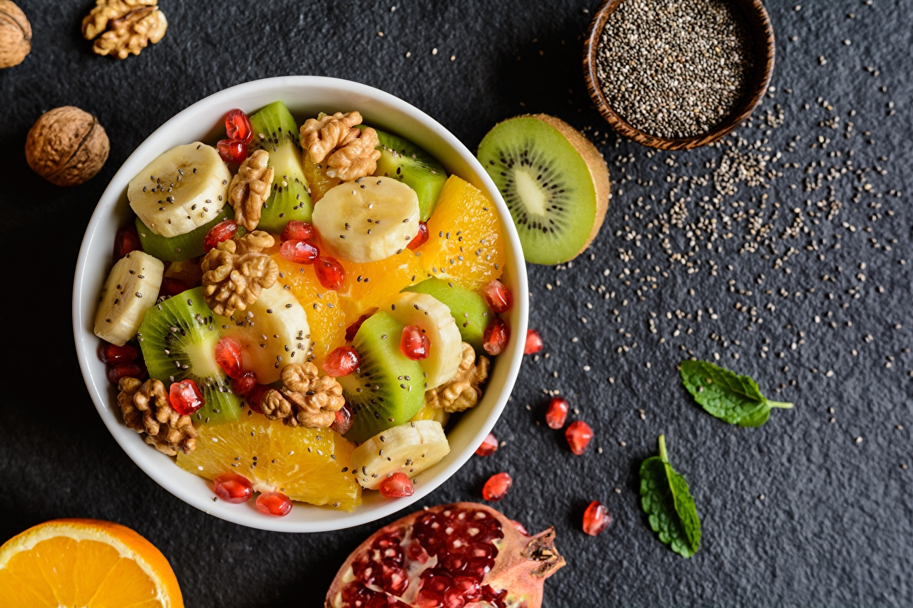 Фото Киви Бананы Еда Салаты Фрукты Орехи Пища Продукты питания