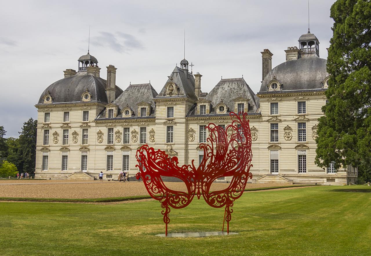 Фотографии Франция Chateau de Cheverny Замки Маски Газон город Скульптуры замок газоне Города скульптура