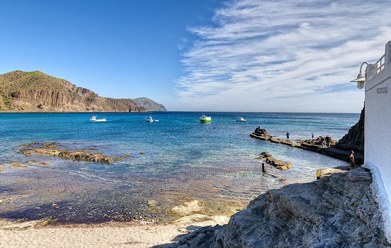 Обои для рабочего стола Испания Almería Природа берег Пирсы Катера залива Залив заливы Причалы Пристань Побережье