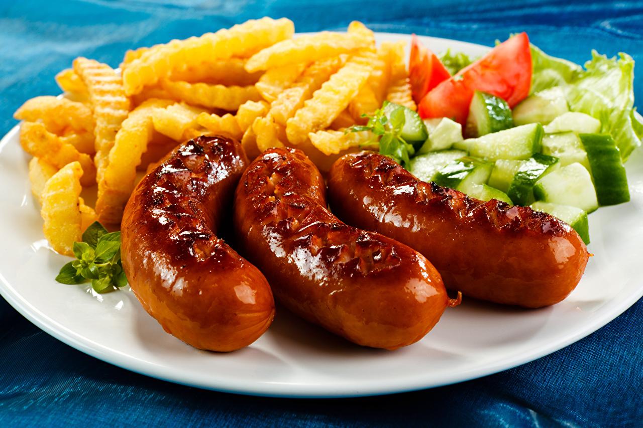 Картинка Картофель фри Сосиска Овощи Тарелка Продукты питания Еда Пища тарелке