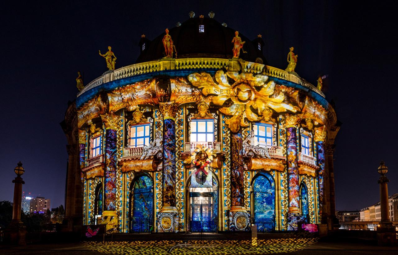 Картинка Берлин Германия Bode Museum Ночные Дома город дизайна Ночь ночью в ночи Города Здания Дизайн