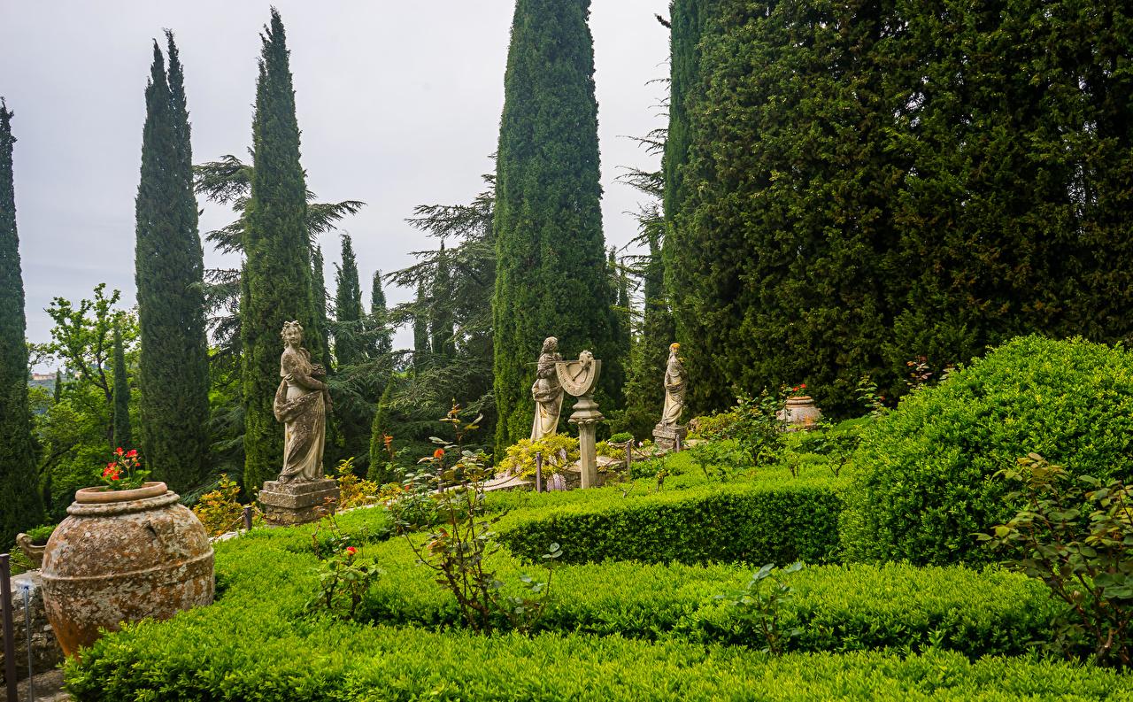 Обои для рабочего стола Тоскана Италия Villa Peyron Garden Природа Сады кустов Скульптуры Кусты