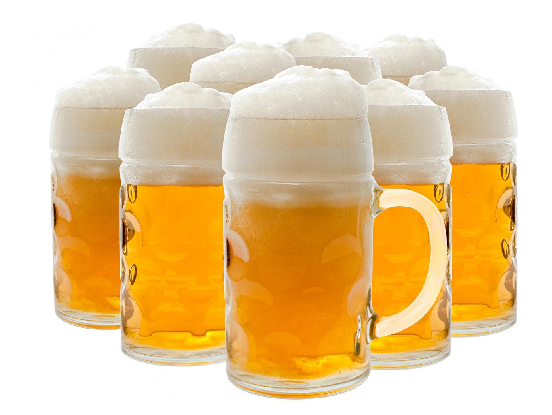 Фото Пиво Пища пеной Кружка вблизи Белый фон Еда Пена пене кружки кружке Продукты питания белом фоне белым фоном Крупным планом