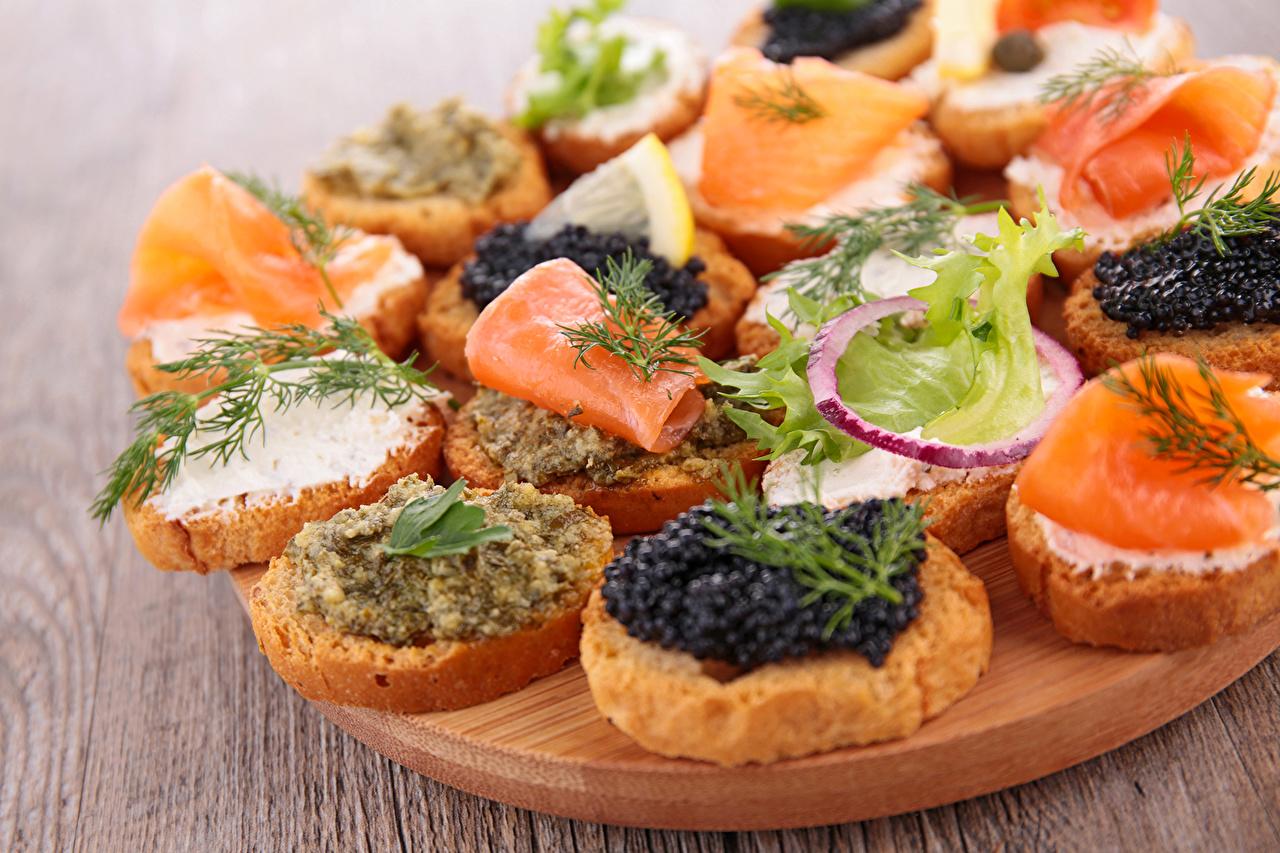 Обои для рабочего стола Рыба Икра бутерброд Быстрое питание Пища Морепродукты Фастфуд Бутерброды Еда Продукты питания