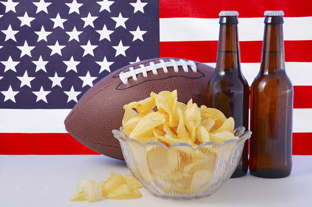 Обои для рабочего стола штаты Пиво Чипсы Флаг Пища Мячик Бутылка США америка флага Мяч Еда бутылки Продукты питания