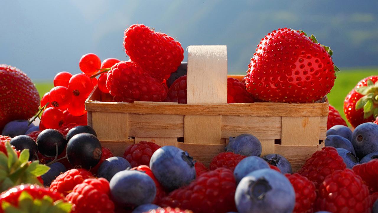 Малина, клубника, ягоды загрузить