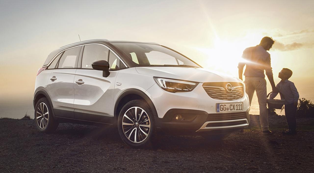 Обои для рабочего стола Лучи света Opel Кроссовер Crossland X, Turbo, 2017 Белый Автомобили Опель CUV белая белые белых авто машины машина автомобиль