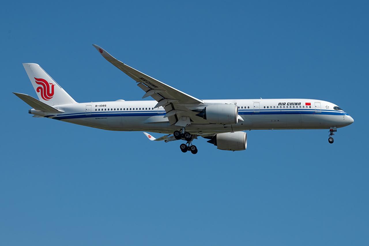 Обои для рабочего стола Эйрбас Самолеты Пассажирские Самолеты A350-900, Air China Сбоку Авиация Airbus