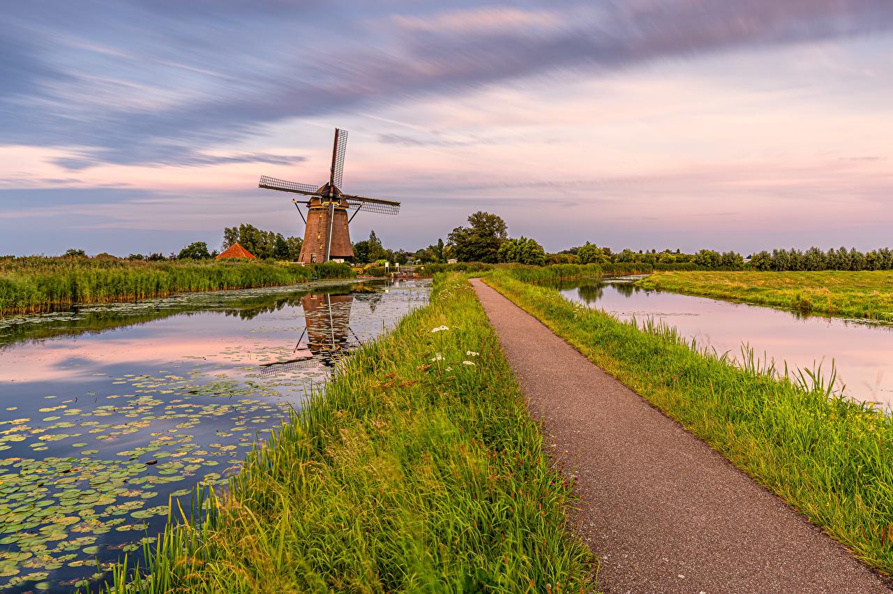 Картинка голландия мельницы South Holland Природа Водный канал Нидерланды Мельница ветряная мельница