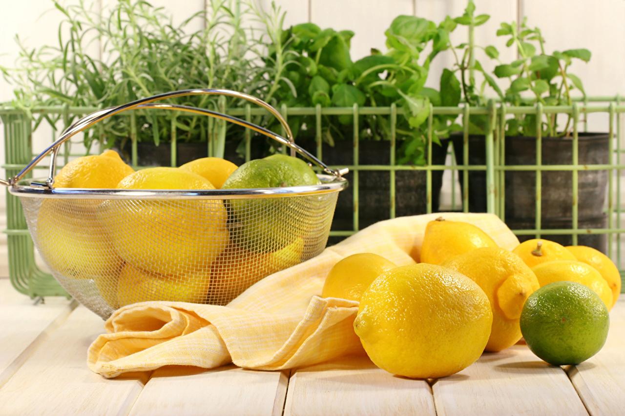 Картинки Лайм Лимоны Корзина Еда Доски корзины Корзинка Пища Продукты питания