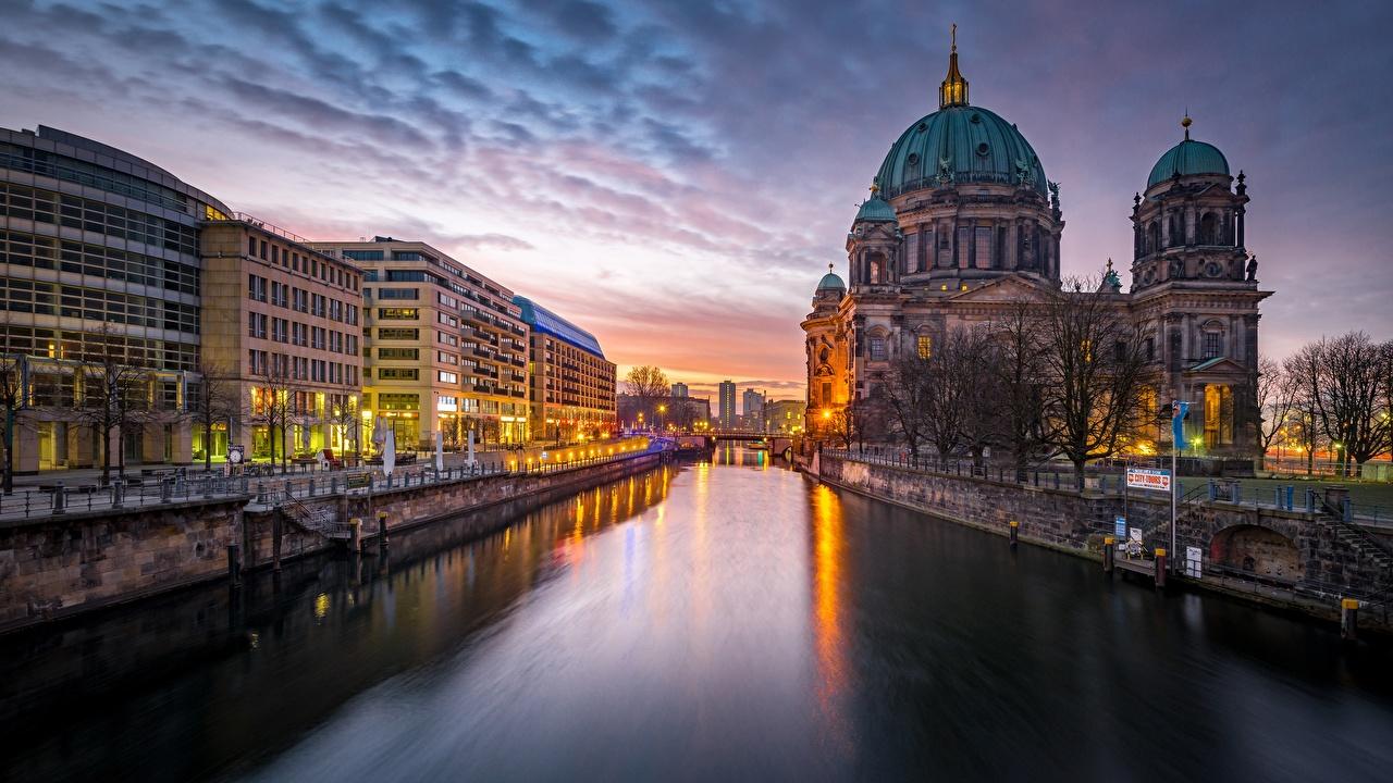 Фото Берлин Германия Водный канал Вечер Города город