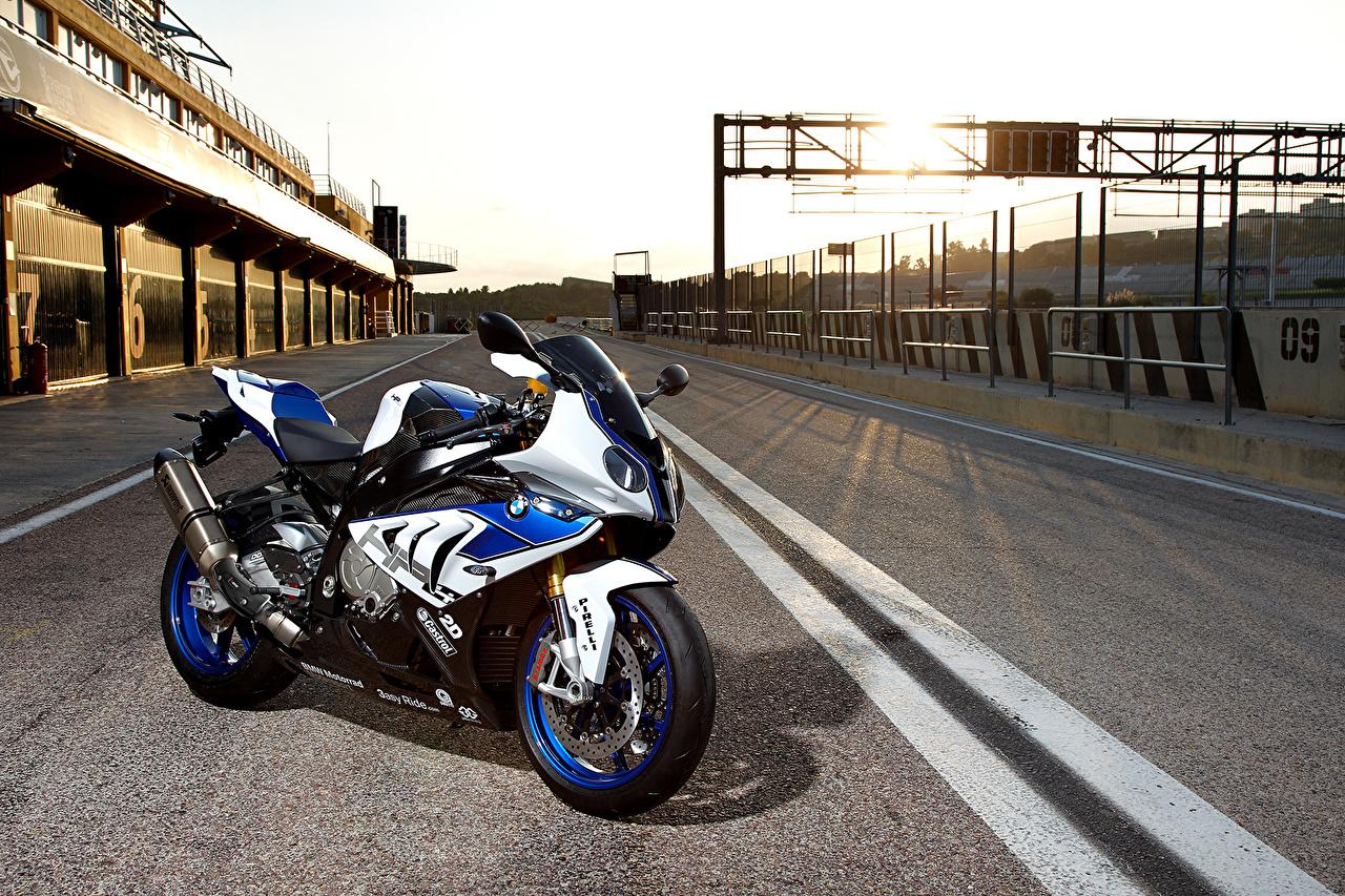 Фото БМВ hp4 Мотоциклы Асфальт BMW - Мотоциклы мотоцикл асфальта