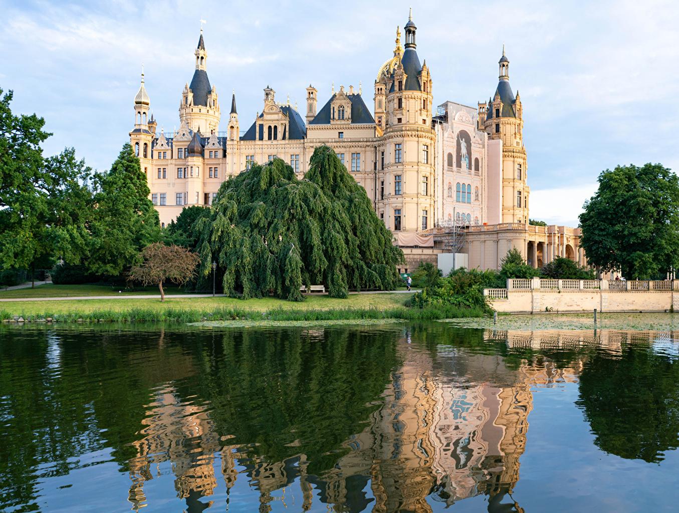 Фото Германия Schwerin castle замок Озеро Города Замки город