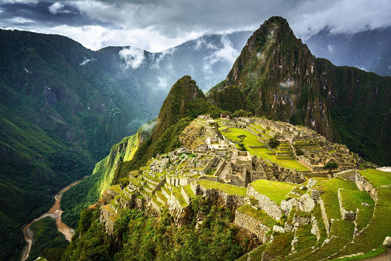 Картинка Перу Machu Picchu, Urubamba Province Горы Природа Развалины Сверху гора Руины