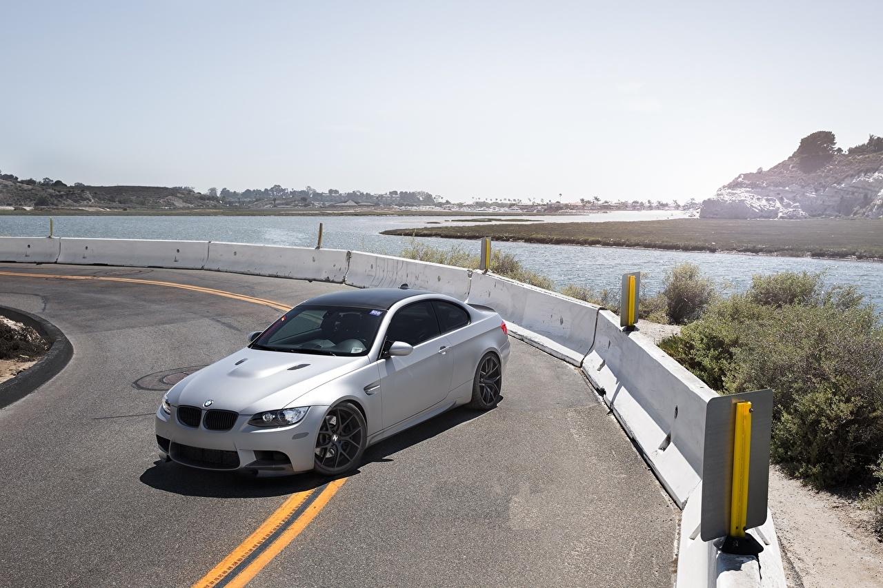 Фотография БМВ m3 e92 Серебристый Дороги авто BMW серебряный серебряная серебристая машина машины Автомобили автомобиль