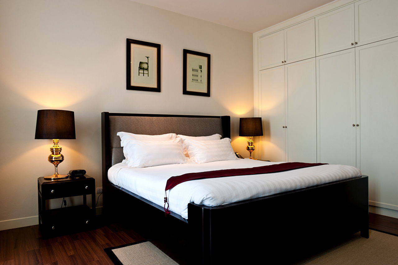 Фотографии Спальня Интерьер Лампа Кровать Подушки Дизайн спальни спальне ламп лампы кровате кровати подушка дизайна