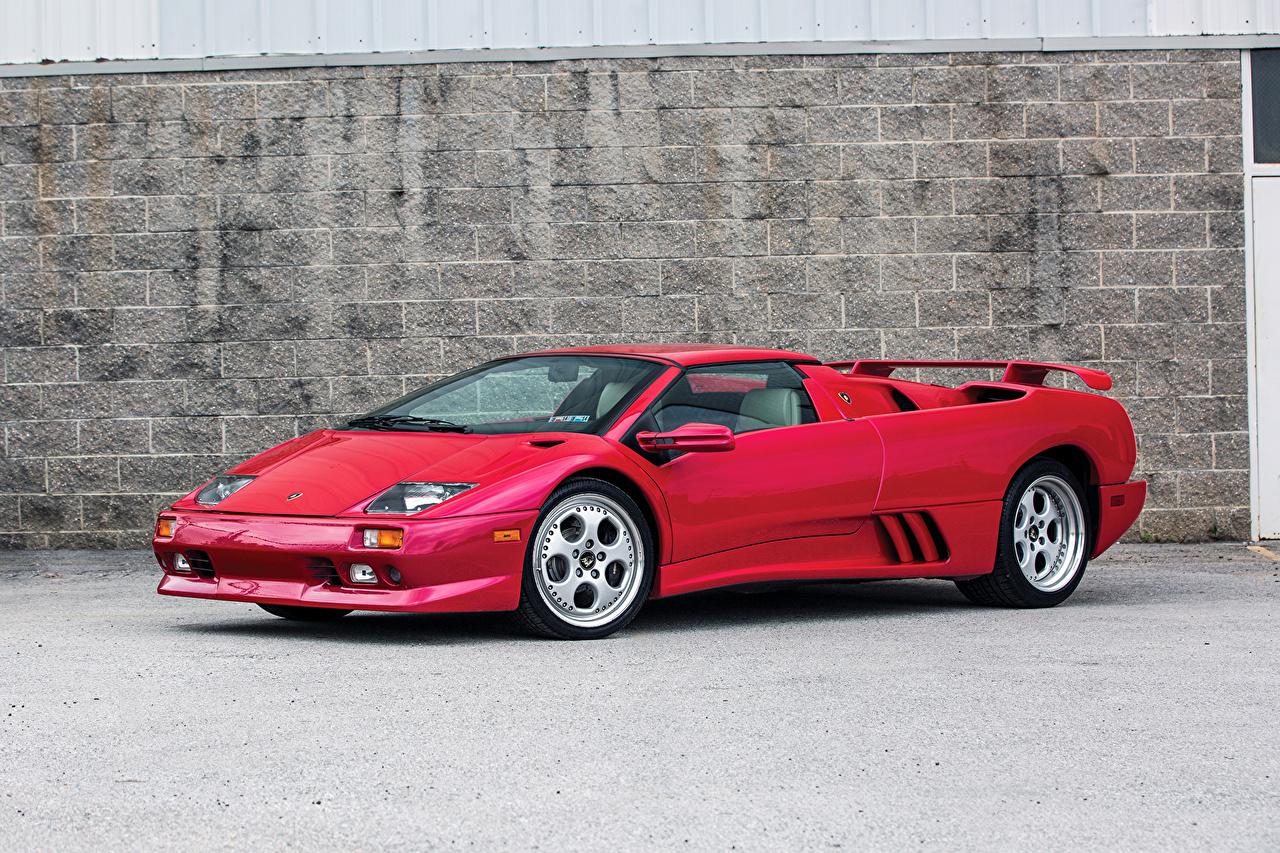Картинка Ламборгини 1999-2000 Diablo VT Roadster Родстер красная Металлик автомобиль Lamborghini красных красные Красный авто машина машины Автомобили
