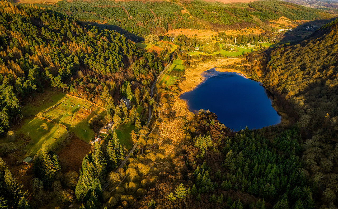 Картинки Ирландия Glendalough Wicklow Mountains National Park Природа лес Озеро Парки Дороги Сверху Леса парк