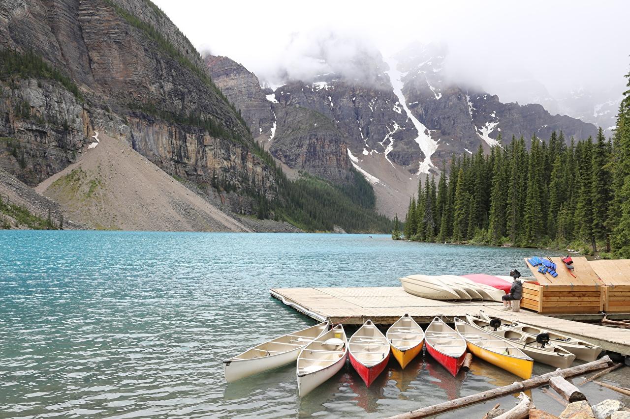 Обои для рабочего стола Канада Moraine Lake, Alberta Горы Природа Озеро Парки Пирсы Лодки гора парк Причалы Пристань