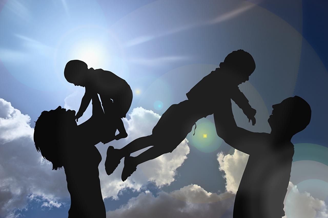Фото Семья силуэта Мать Дети солнца Четыре 4 Небо Облака Силуэт силуэты Мама ребёнок Солнце облако облачно