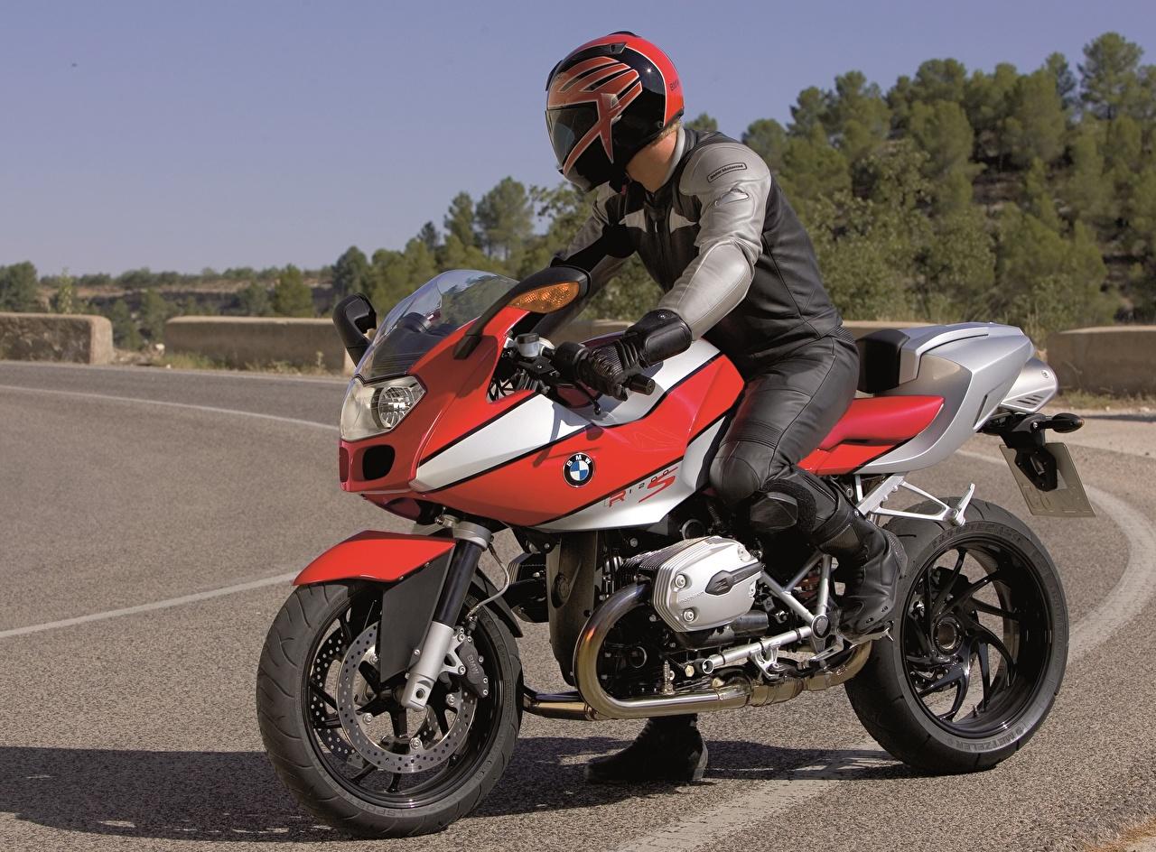 Фото BMW - Мотоциклы в шлеме 2004-06 R 1200 S Мотоциклы Мотоциклист БМВ Шлем шлема мотоцикл