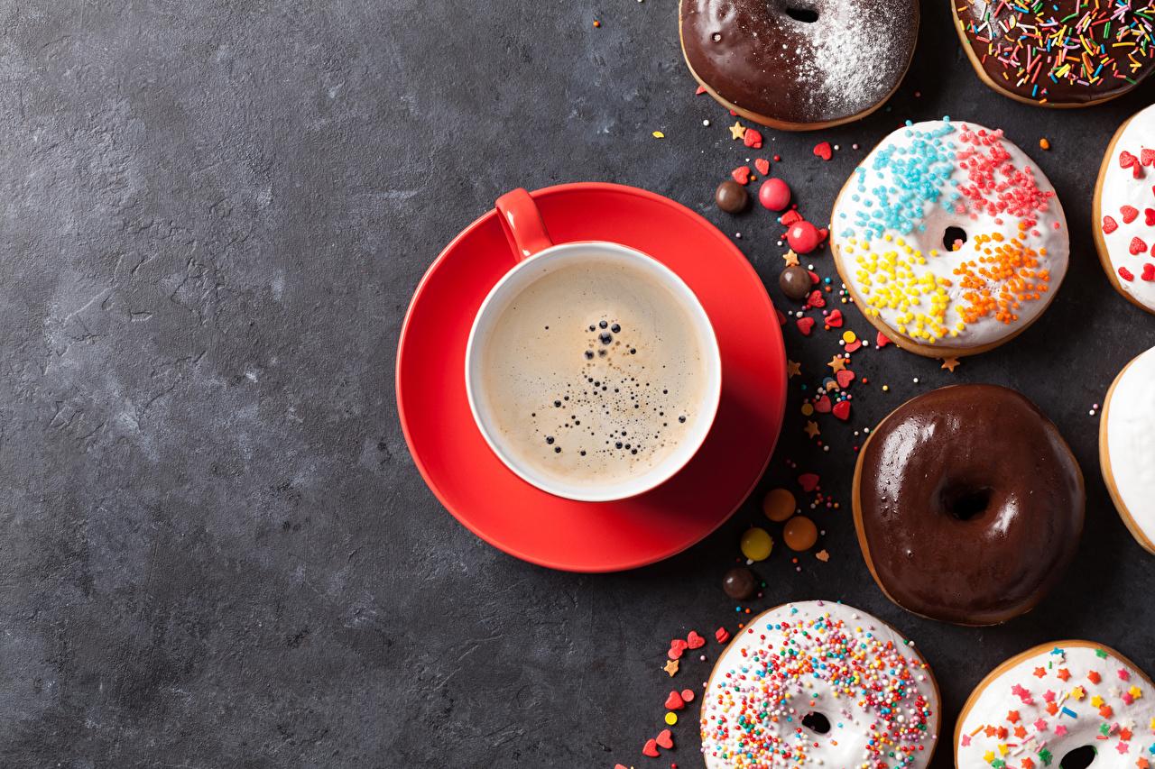 Картинка Шоколад Кофе Пончики Чашка Продукты питания Серый фон Еда Пища чашке сером фоне