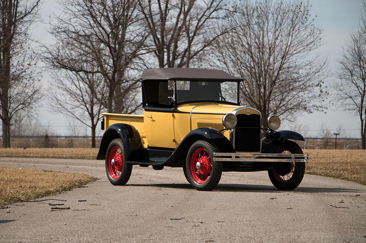 Обои для рабочего стола Ford 1931 Model A Roadster Pickup желтая винтаж автомобиль Форд Ретро желтых желтые Желтый старинные авто машина машины Автомобили