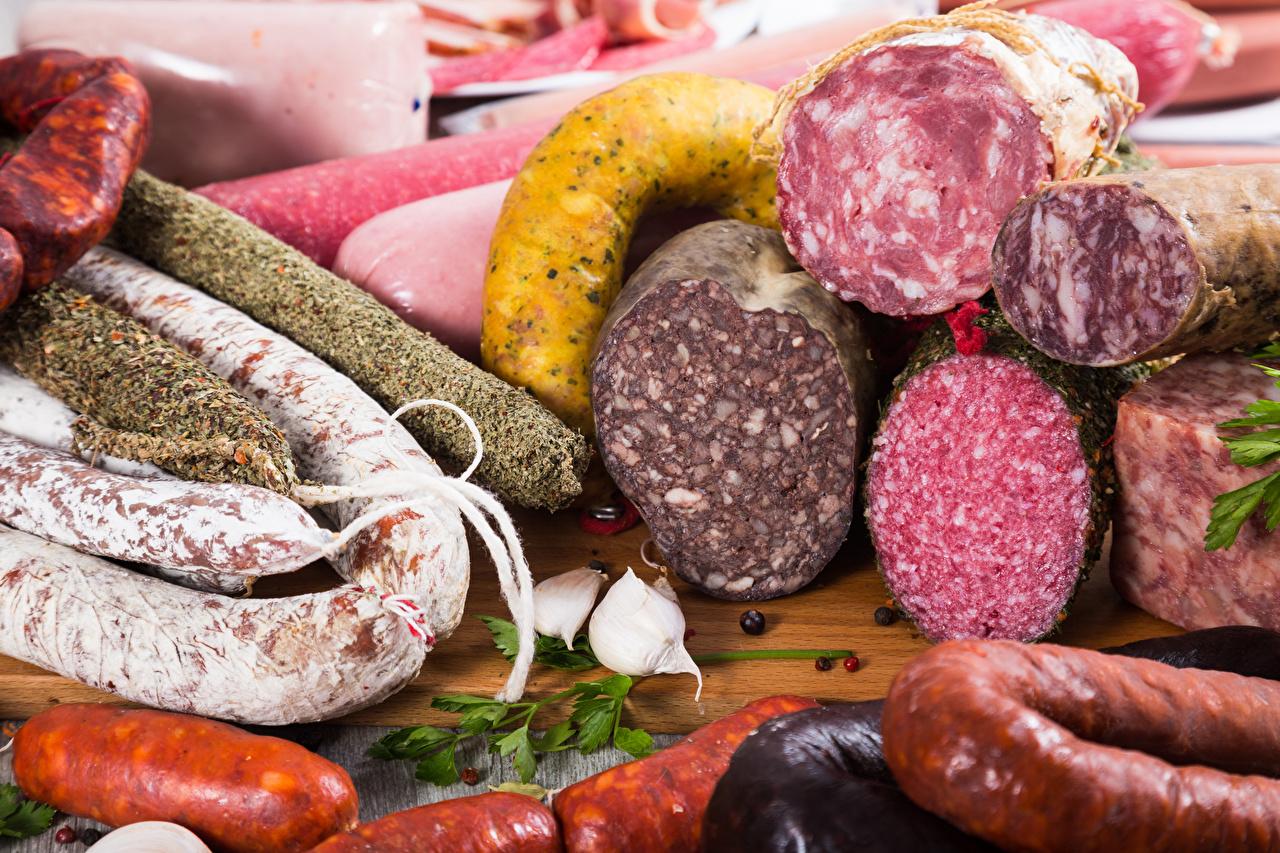 Фото Колбаса Чеснок Продукты питания Мясные продукты Еда Пища