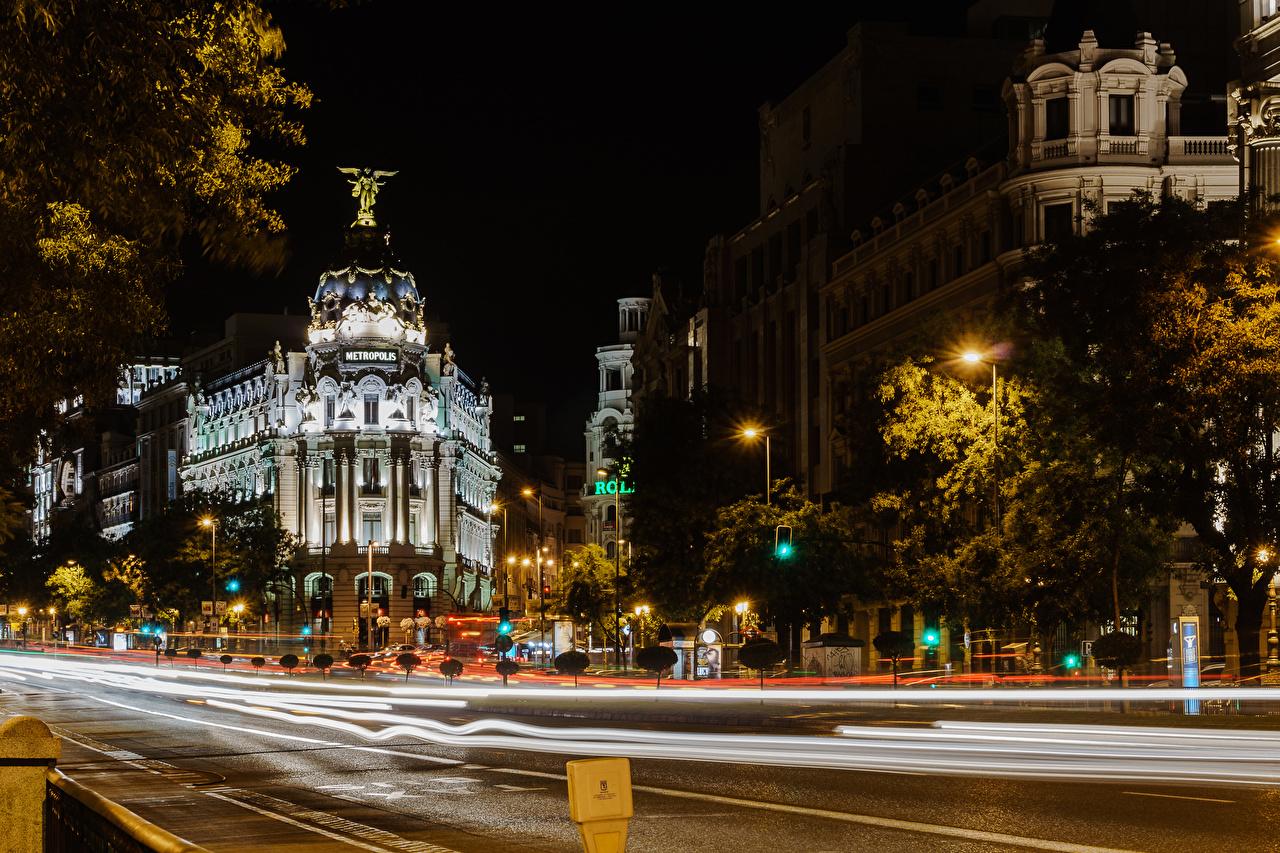 Фотографии Мадрид Испания Дороги ночью Уличные фонари город Здания Ночь в ночи Ночные Дома Города