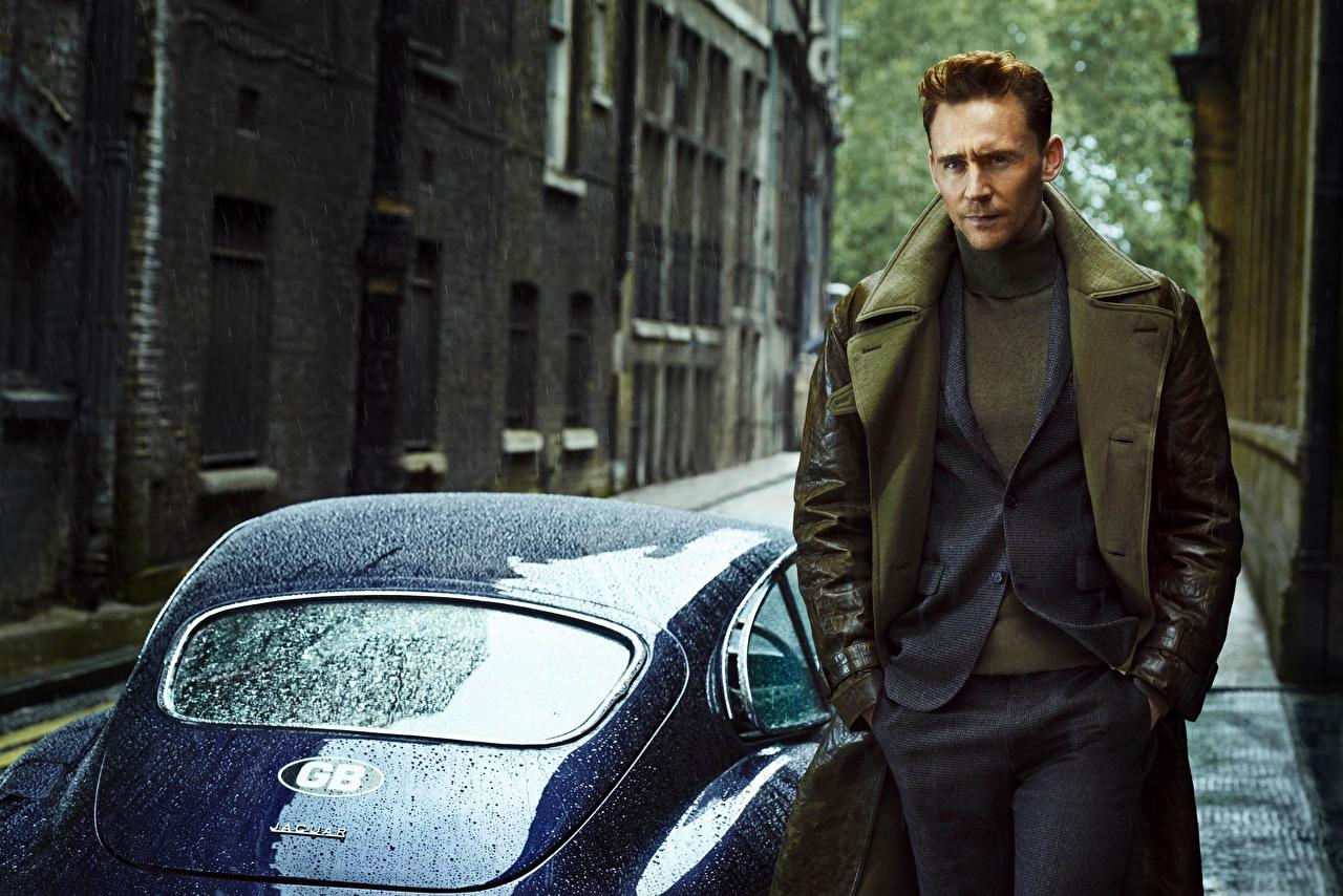 Фотография Tom Hiddleston мужчина Костюм Знаменитости Том Хиддлстон Мужчины костюме костюма классический костюм