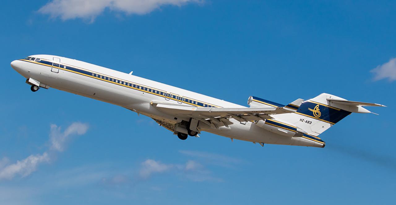 Фотография Самолеты Пассажирские Самолеты Взлет Boeing 727-200 HZ-AB3 Полет Авиация Боинг летящий