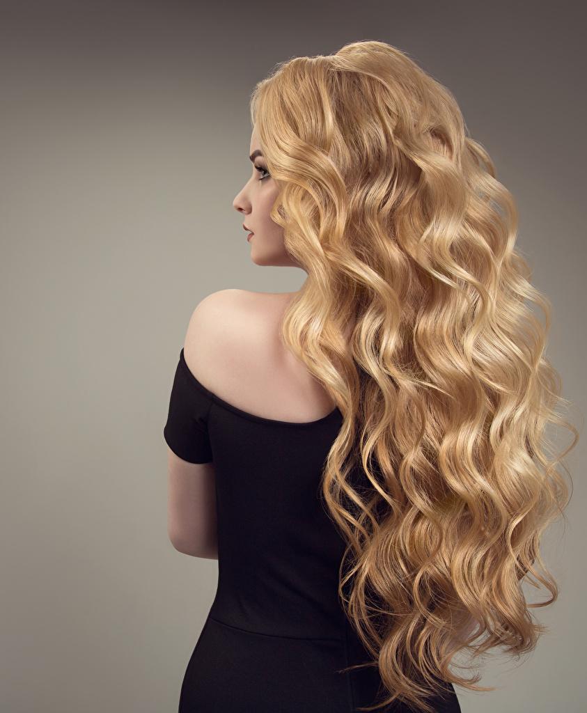 Картинки Блондинка Волосы Девушки вид Серый фон Сзади