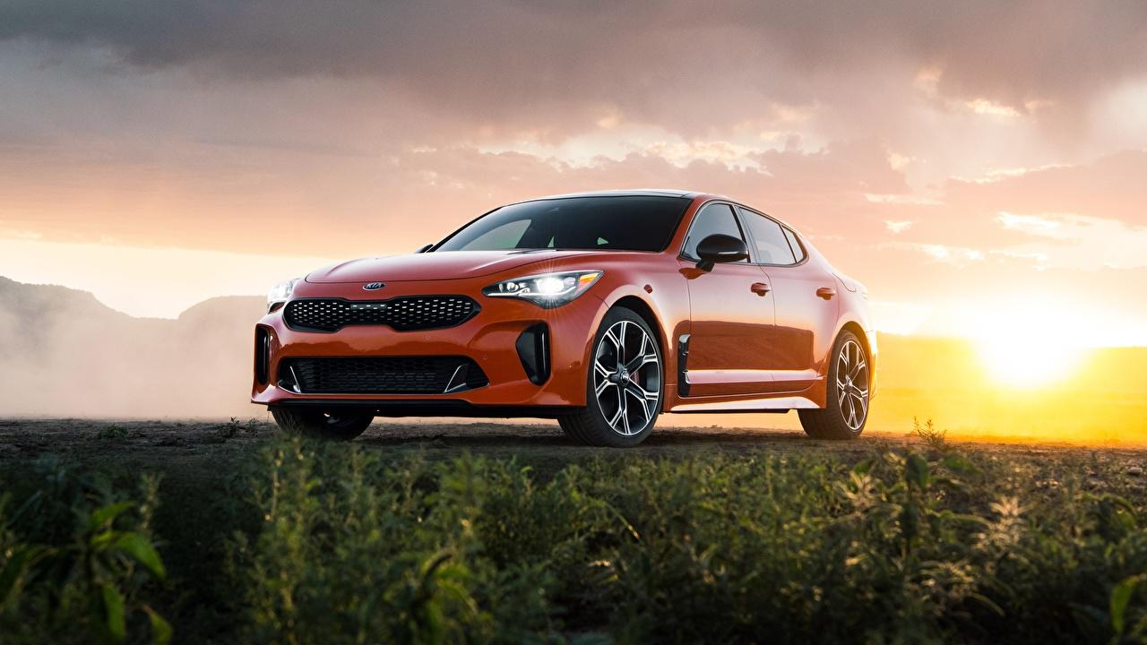 Фотографии Киа GTS Stinger 2020 оранжевые автомобиль KIA оранжевых Оранжевый оранжевая авто машина машины Автомобили