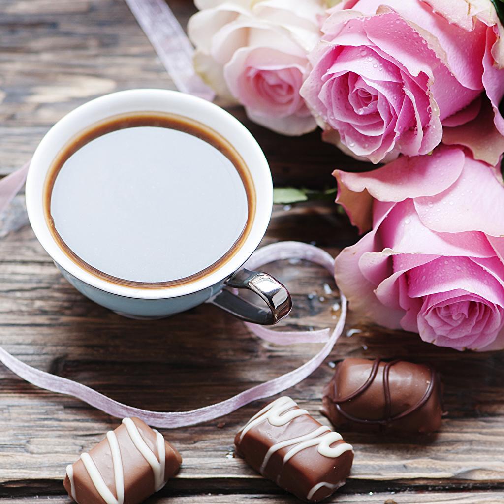 Фотография Шоколад Кофе Розы Конфеты Еда чашке Натюрморт Пища Чашка Продукты питания