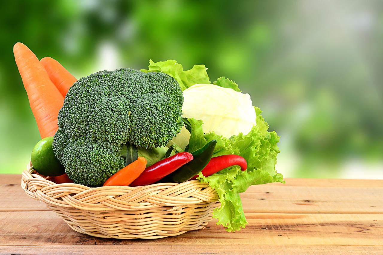 Фотография Морковь Корзинка Пища Овощи Корзина Еда Продукты питания