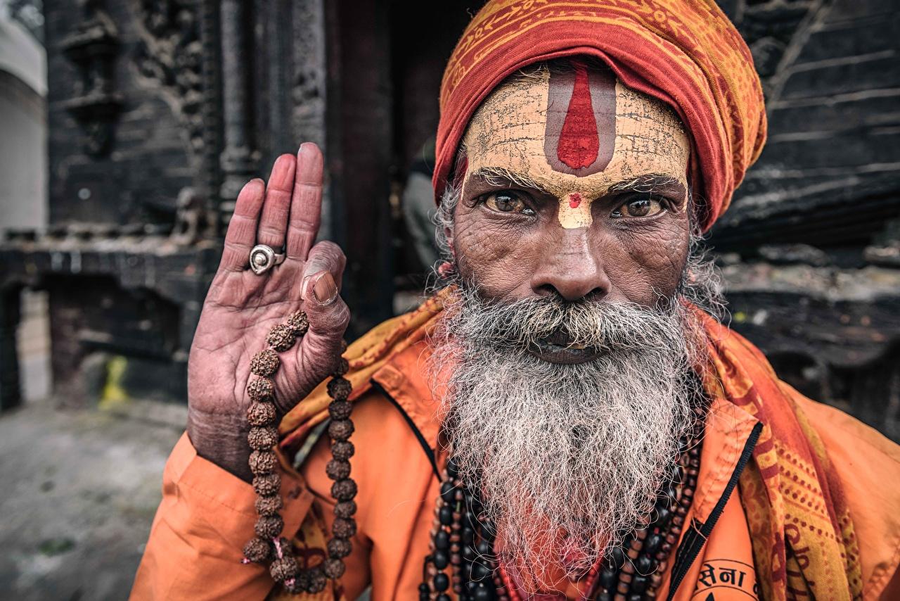 Картинка Старик Nepal, Kathmandu, Portrait of a sadhu бородой Лицо рука старый мужчина пожилой мужчина Борода бородатый бородатые лица Руки