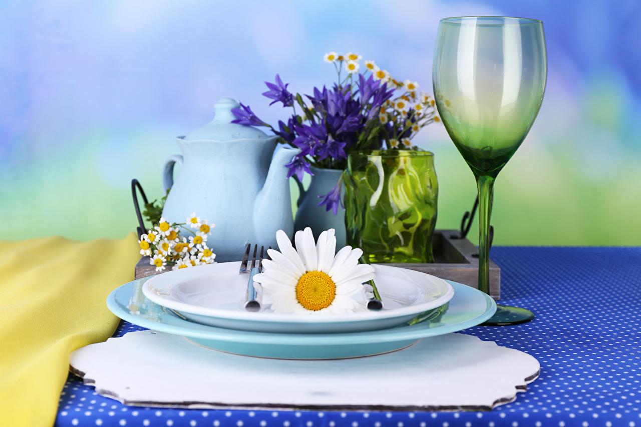 Картинки Чайник Ромашки Колокольчики - Цветы Еда Бокалы тарелке Пища бокал Тарелка Продукты питания