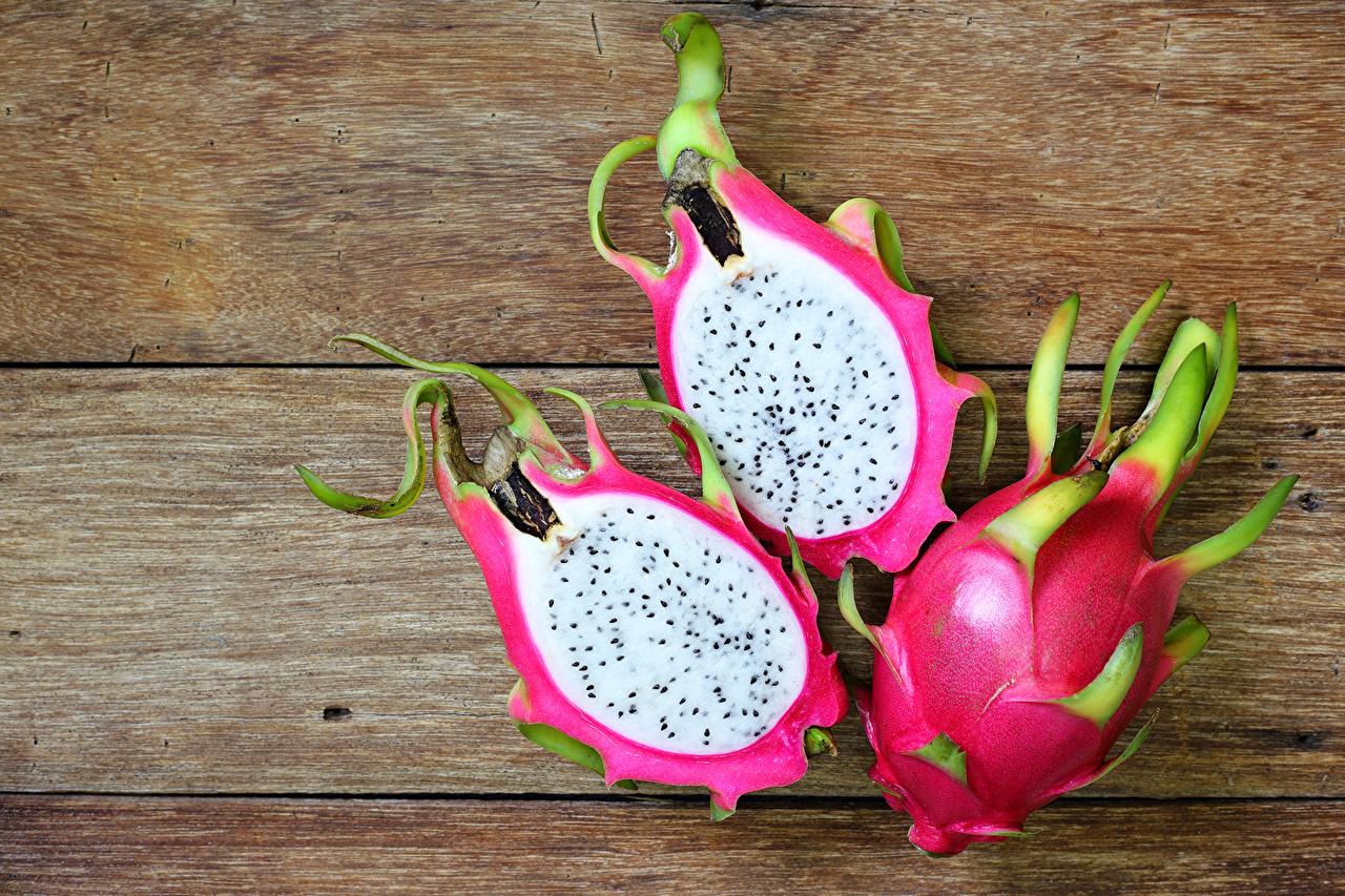 Обои для рабочего стола Питайя Фрукты втроем Продукты питания Доски драконий фрукт Еда три Пища Трое 3