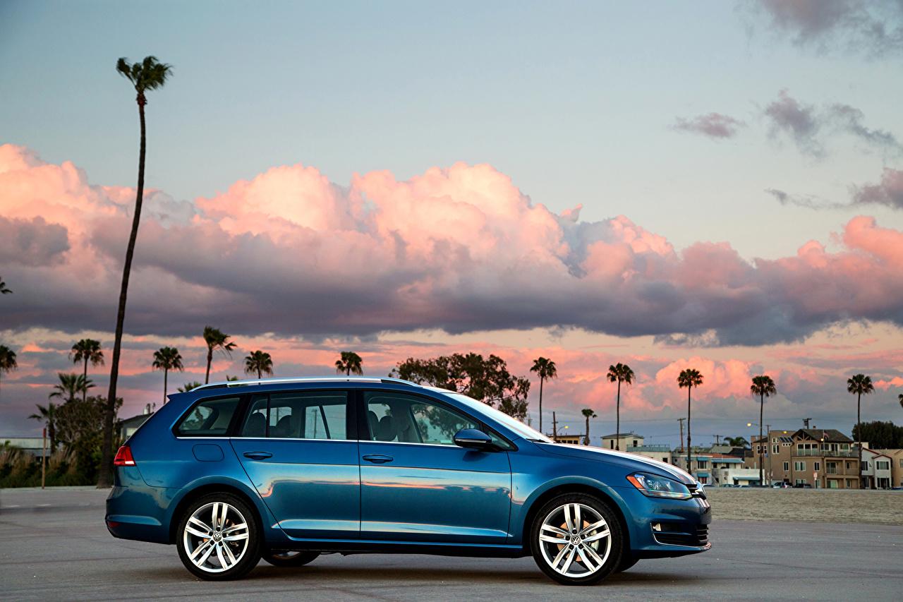 Картинки Фольксваген 2015 Golf SportWagen Голубой Сбоку машины Металлик Volkswagen голубая голубые голубых авто машина Автомобили автомобиль