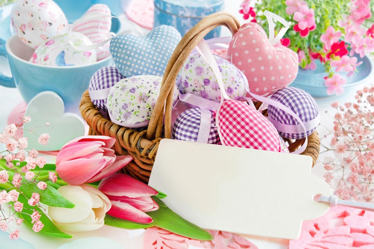 Картинка Пасха сердечко яйцами Корзина Праздники серце сердца Сердце яиц Яйца яйцо корзины Корзинка