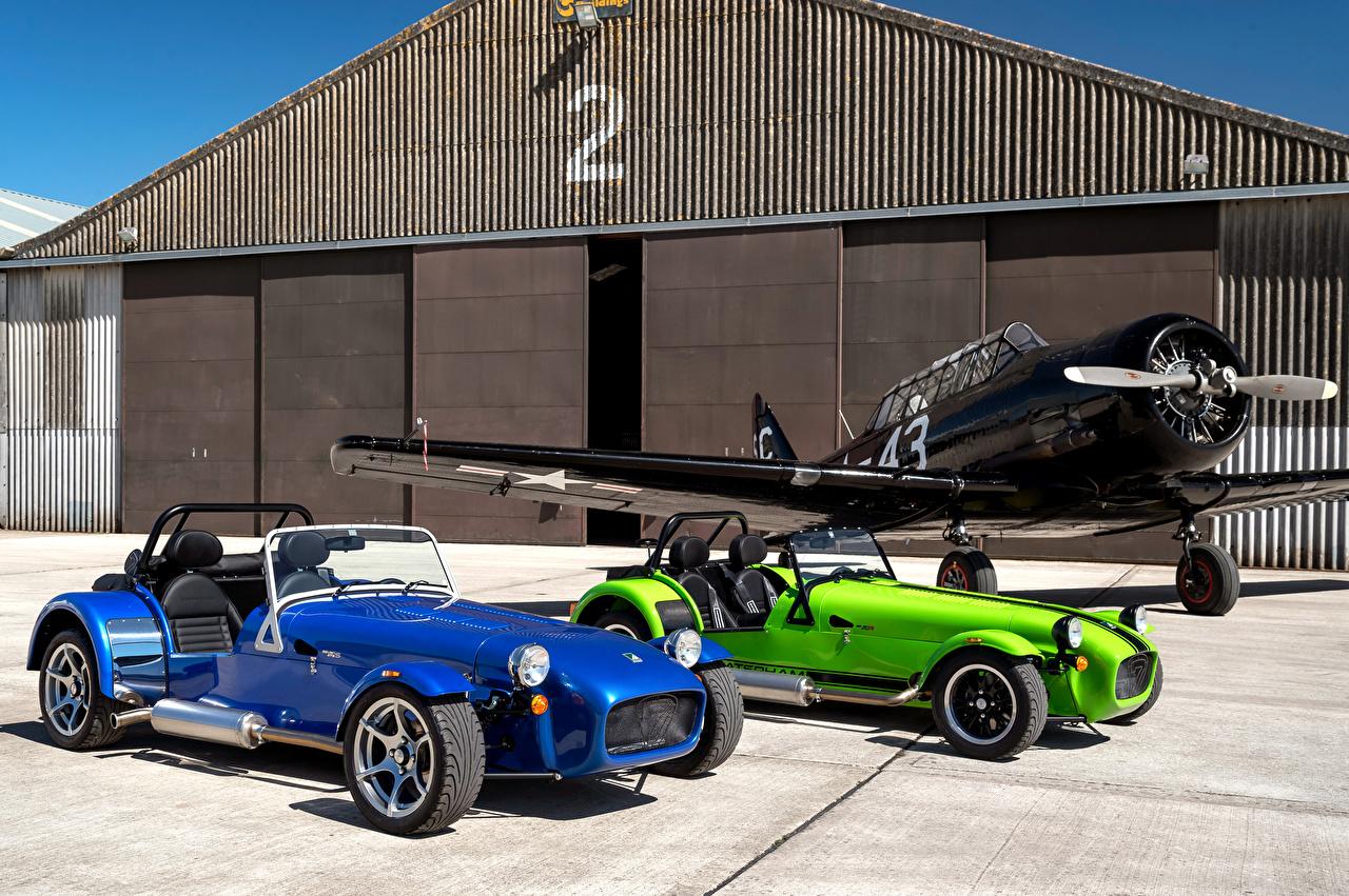 Картинка Caterham 7 Двое Металлик автомобиль 2 два две вдвоем авто машины машина Автомобили