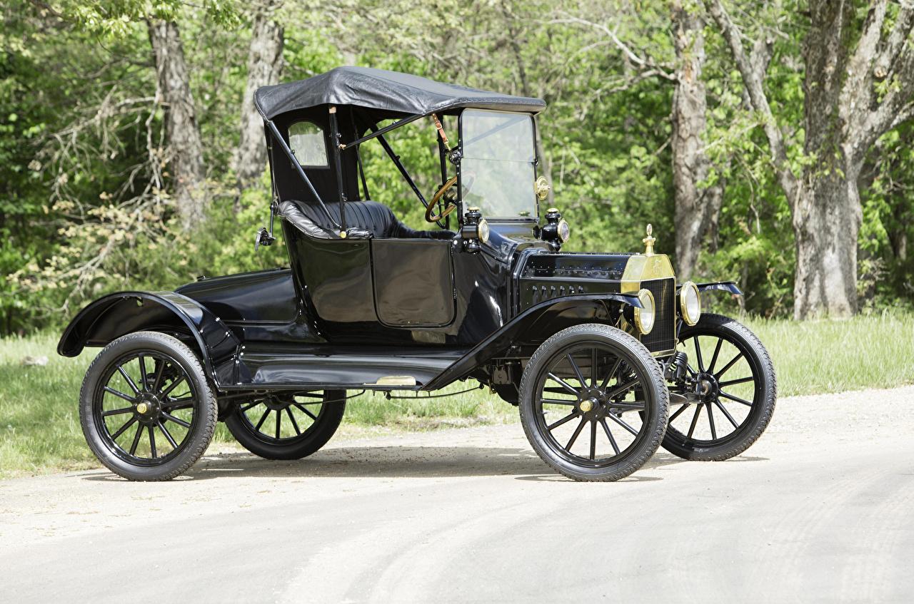 Картинка Форд 1915 Model T Runabout Ретро Черный автомобиль Ford черных черные черная Винтаж старинные авто машина машины Автомобили