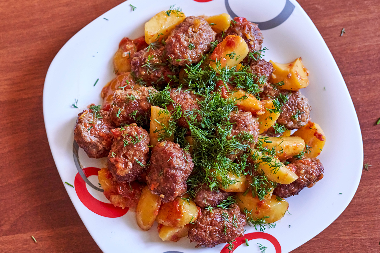 Картинки Картофель Укроп Пища тарелке Мясные продукты Вторые блюда картошка Еда Тарелка Продукты питания